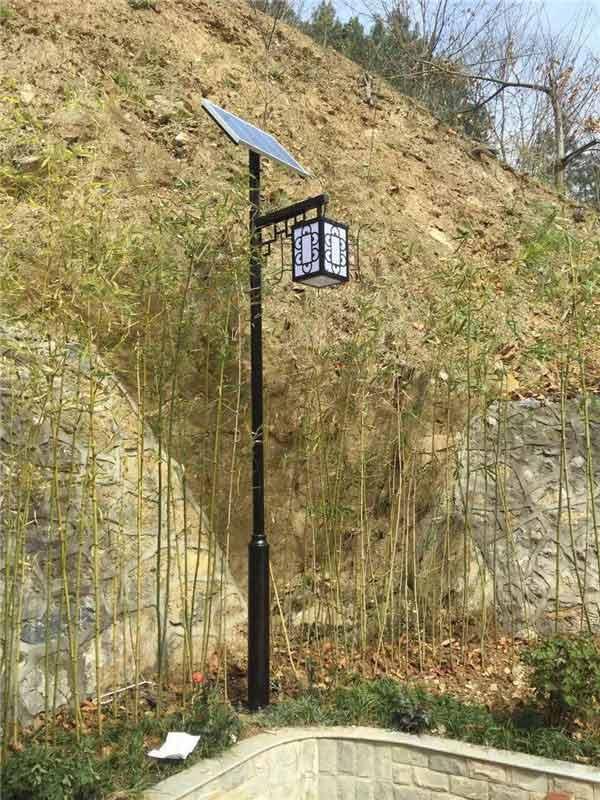 太陽能庭院燈B款單頭款式.JPG