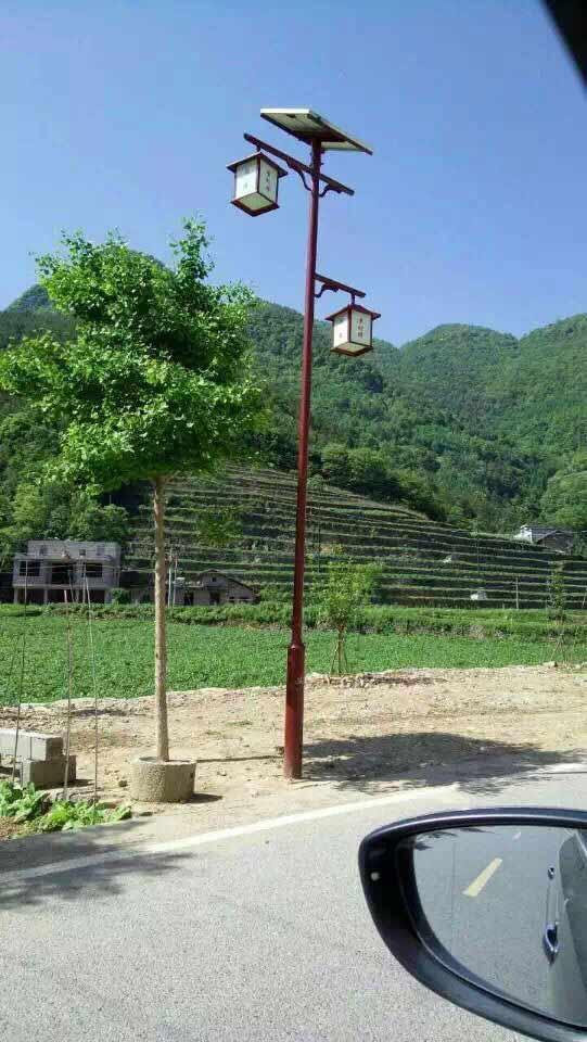 太陽能庭院燈燈桿紅色款.JPG